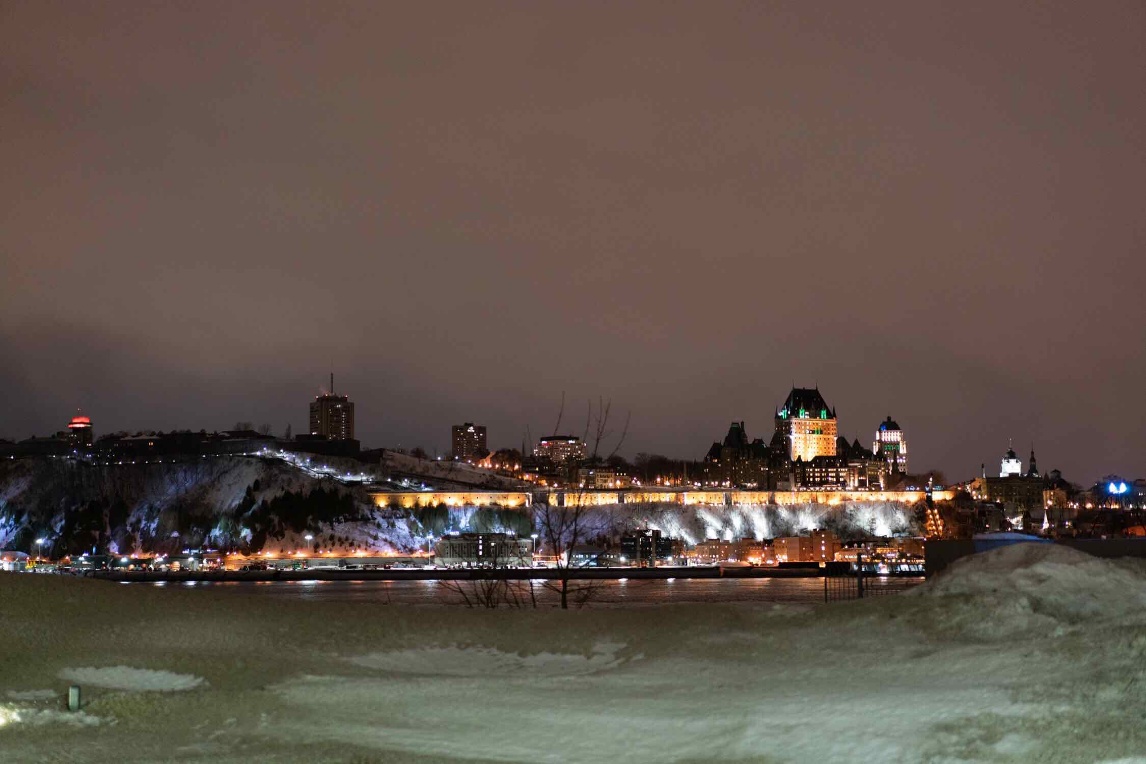 Night view of Old Québec